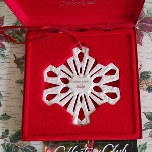 Longaberger 2001 Dustin Snowflake Ornament